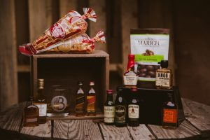 Read more about the article BroBasket Whiskey Sampler Boxes and Gift Baskets