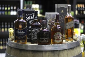 5 Best Whiskey Clubs | Bourbon of the Month Clubs